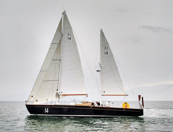 Pen Duick II et ses voiles All Purpose ©